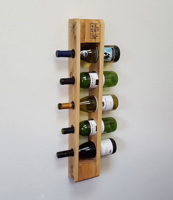 Casier A Vin Palettes Recuperees Casier A Par Bluefoxfurnishings Vin Palette Casier Vin Etageres A Bouteilles De Vin