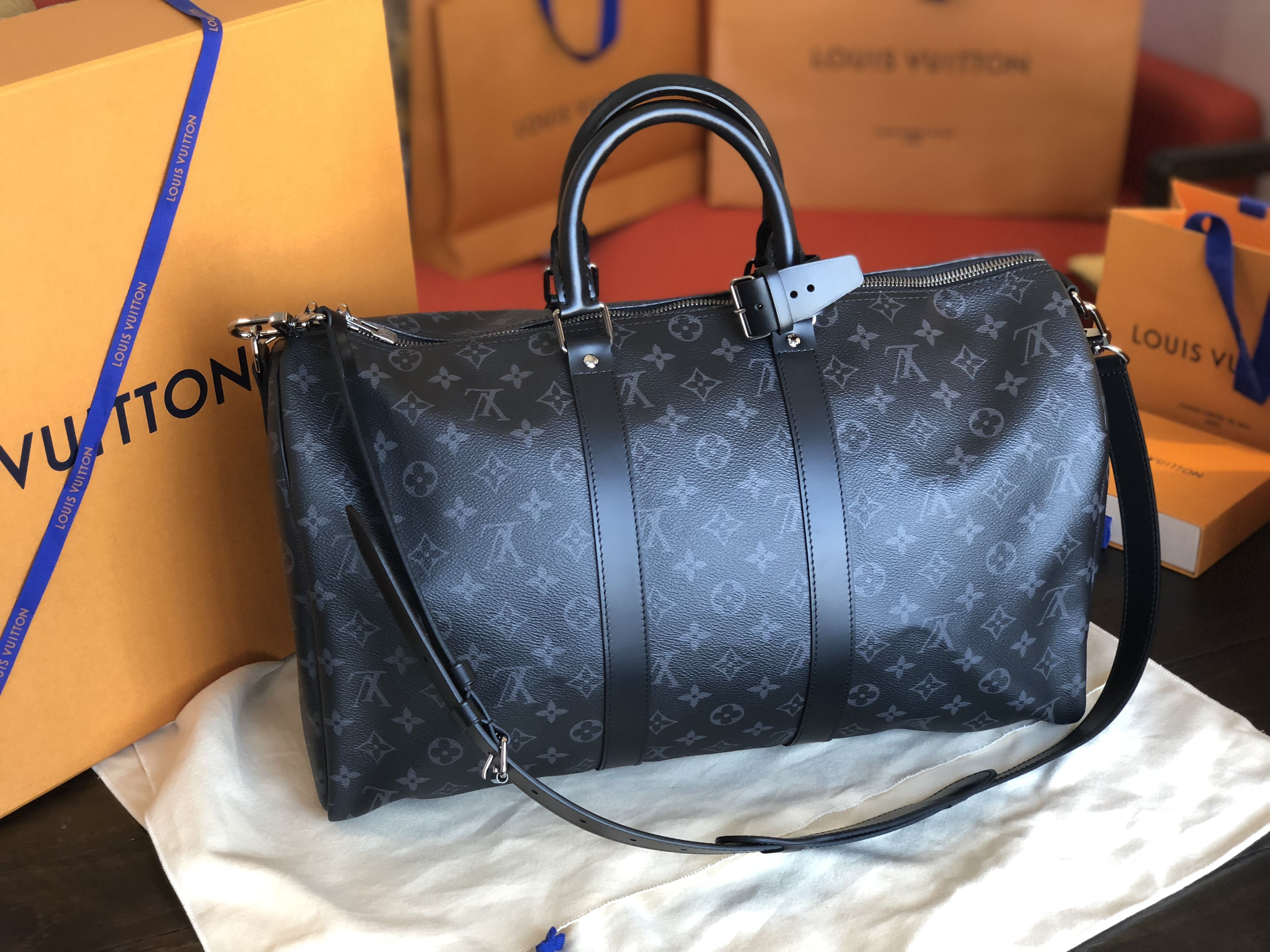 926b1155cc14 Louis Vuitton Keepall 45 Bandouliere  A man s bag. This video is about Louis  Vuitton