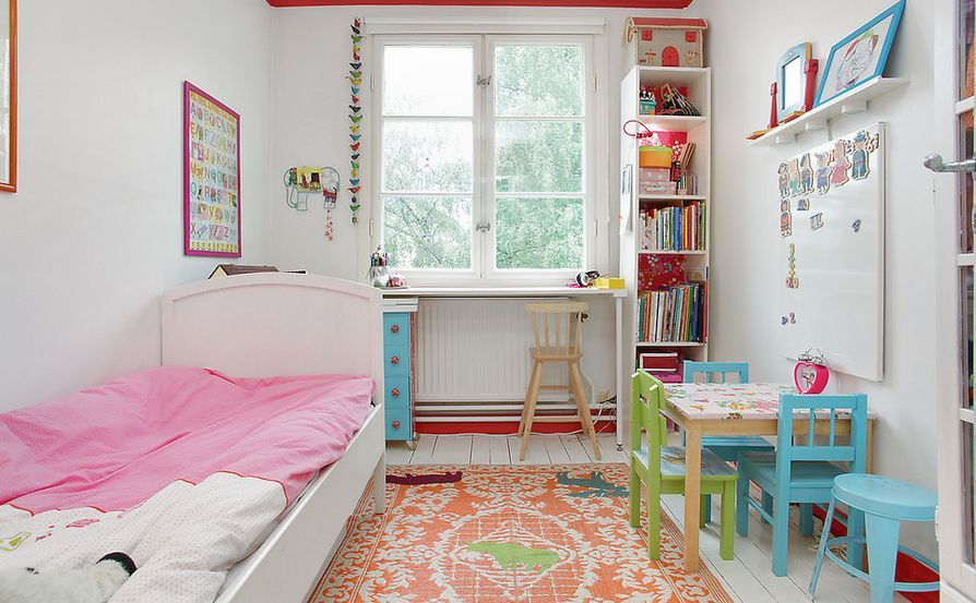 Decorating With Tall And Narrow Bookcases Small Kids Room Small Room Design Small Room Girl