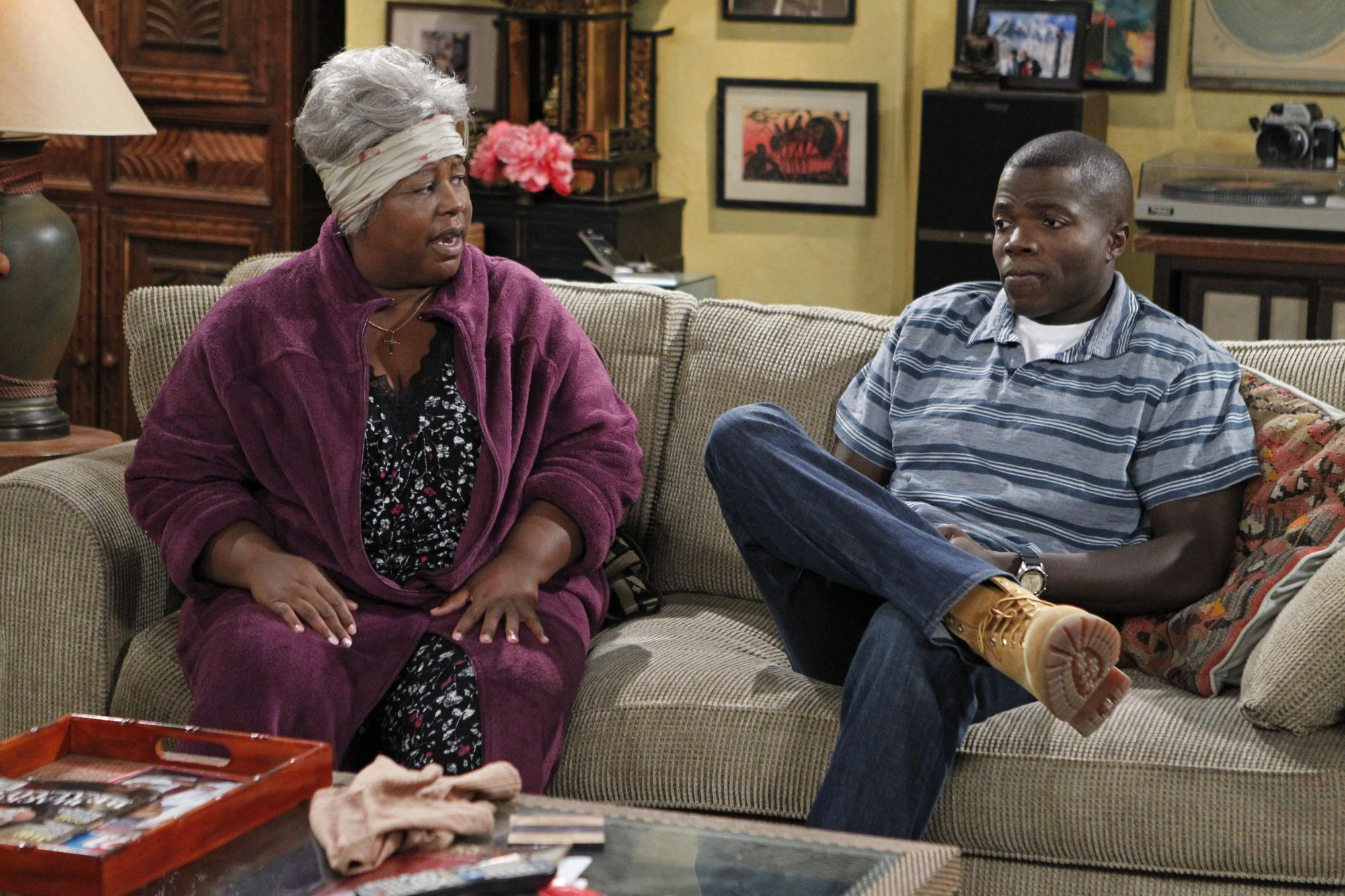"""Cleo King and Reno Wilson in Mike & Molly from """"Mike Likes Cake"""""""