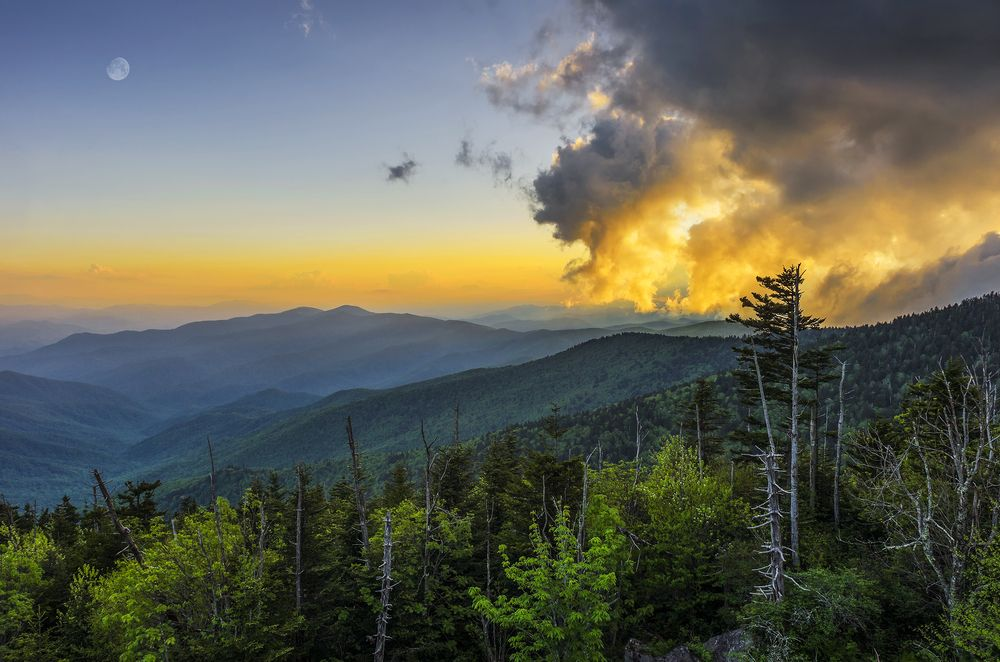 The Smoky Mountains are the best place to view sunrise!