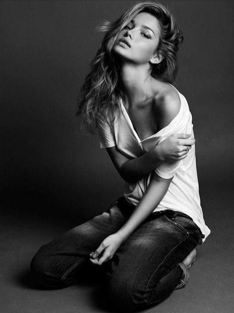 Работа девушка модель для фотосессий анна гресь мамахохотала возраст