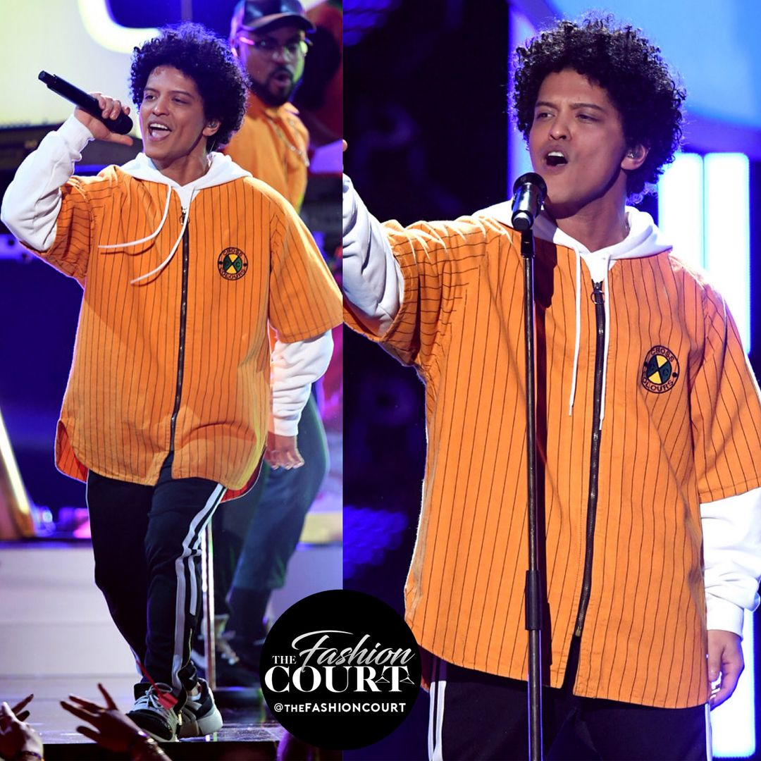 Bruno Mars And His Dancers Wore Crosscolours Jackets For His Finesse Performance During The 2018 Grammy Awards Grammys Bruno Mars Dancer Wear Grammy