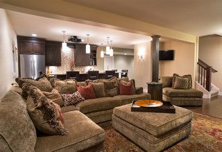 Cozy Home Theater - home basement for hosting.