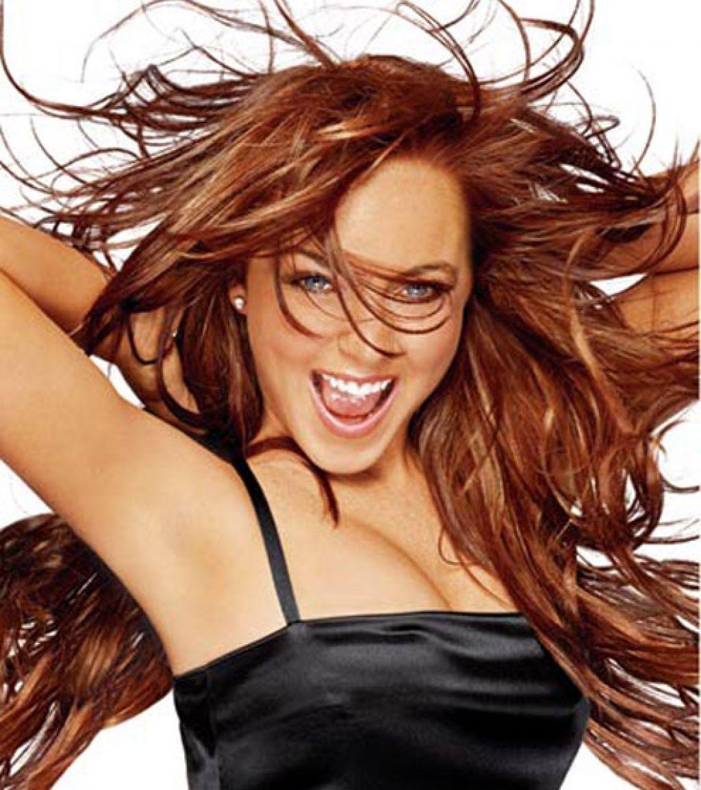 brünette haarfarbe für lange frisur von promi - Überprüfen