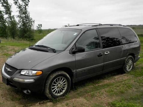 1999 chrysler town country limited minivan in south dakota for under 2000 dollars cheap cars. Black Bedroom Furniture Sets. Home Design Ideas