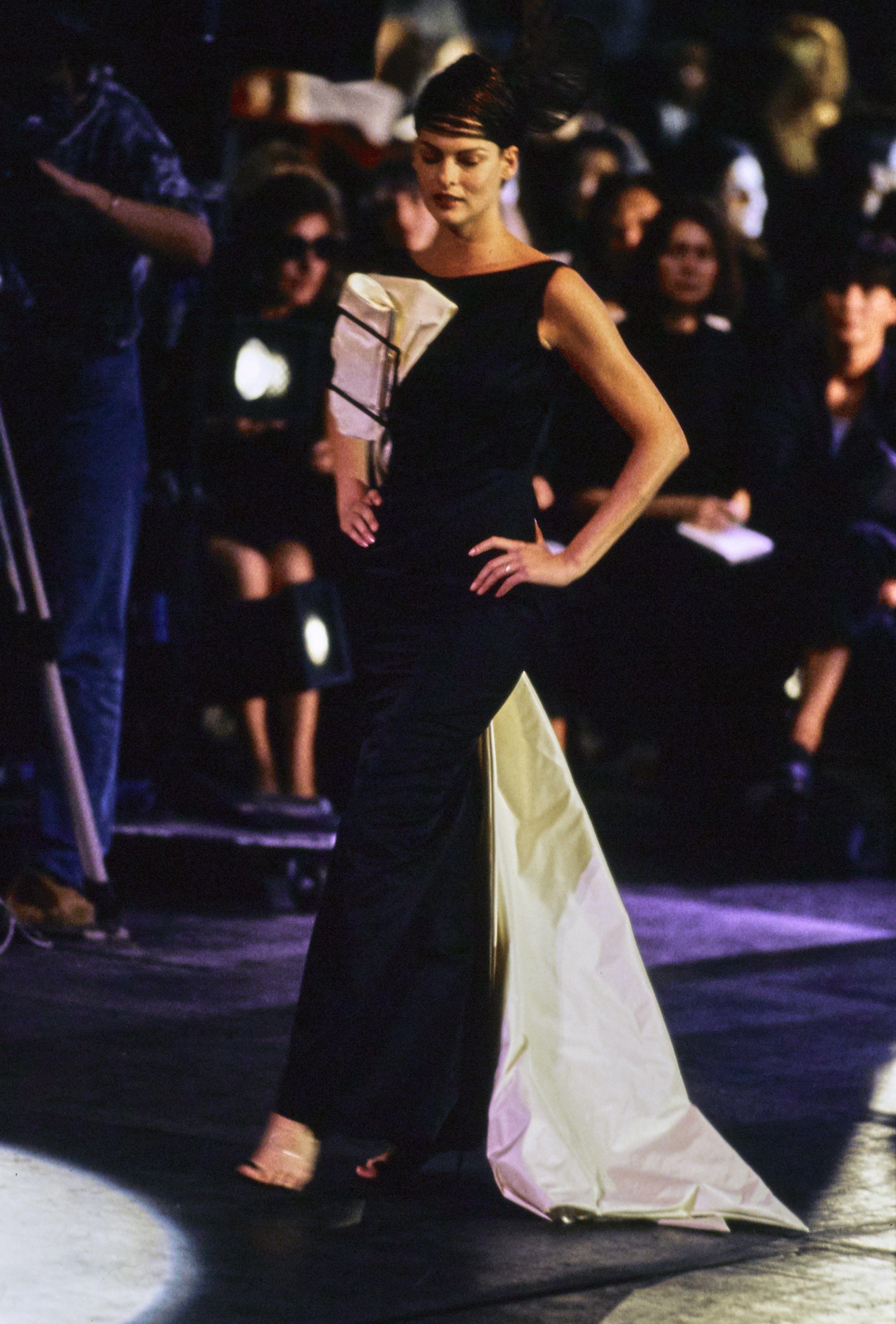 John Galliano Spring 1996 Ready-to-Wear Fashion Show - Linda Evangelista