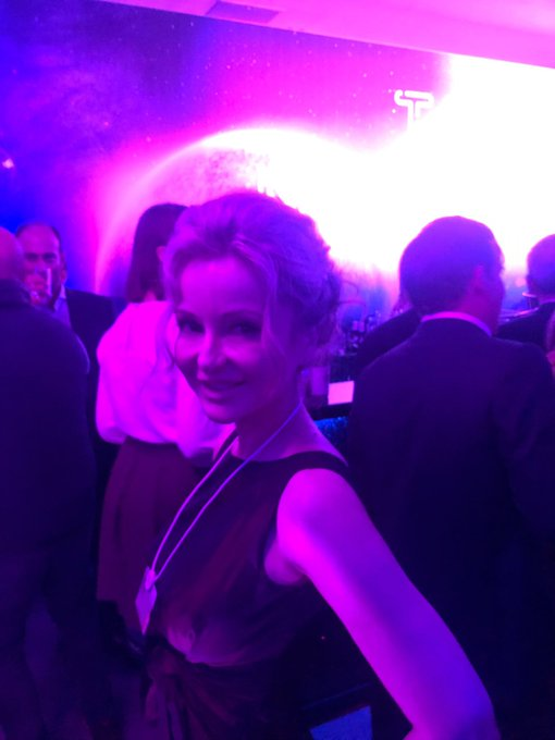One of the most coveted parties at the #WEF2020 #Davos2020: @McKinsey ! Become a #WEF #Davos party expert by reading my #bestseller #SuperHubs: How the Financial #Elite and their #Networks Rule Our World