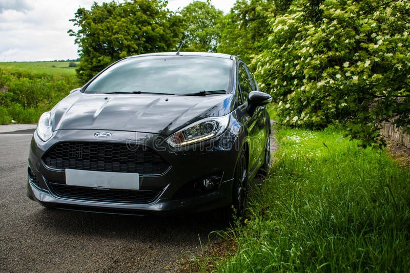 2016 Ford Fiesta St Line A Subtle Photo Of A 2017 Ford Fiesta Surrounded By Gre Sponsored St Line Fie Ford Fiesta St Fiesta St Fiestas