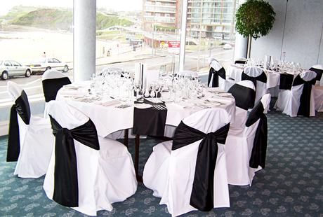 Black And White Wedding Table Decorations Ideas