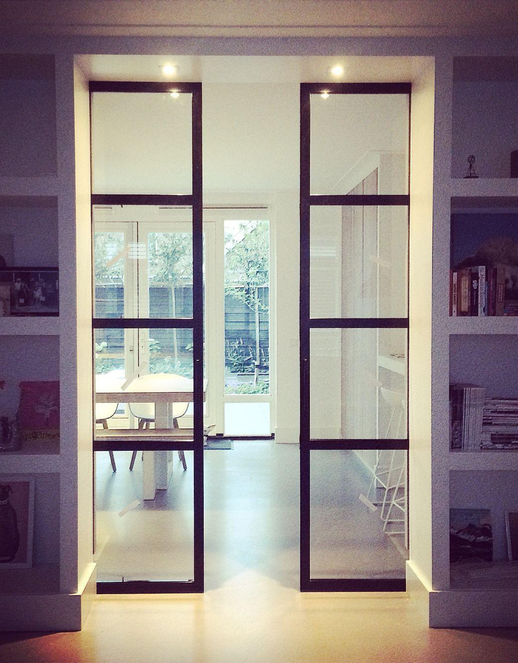 Stalen deuren in ensuite kast ontwerp ww interieur styling for Schuifdeuren woonkamer