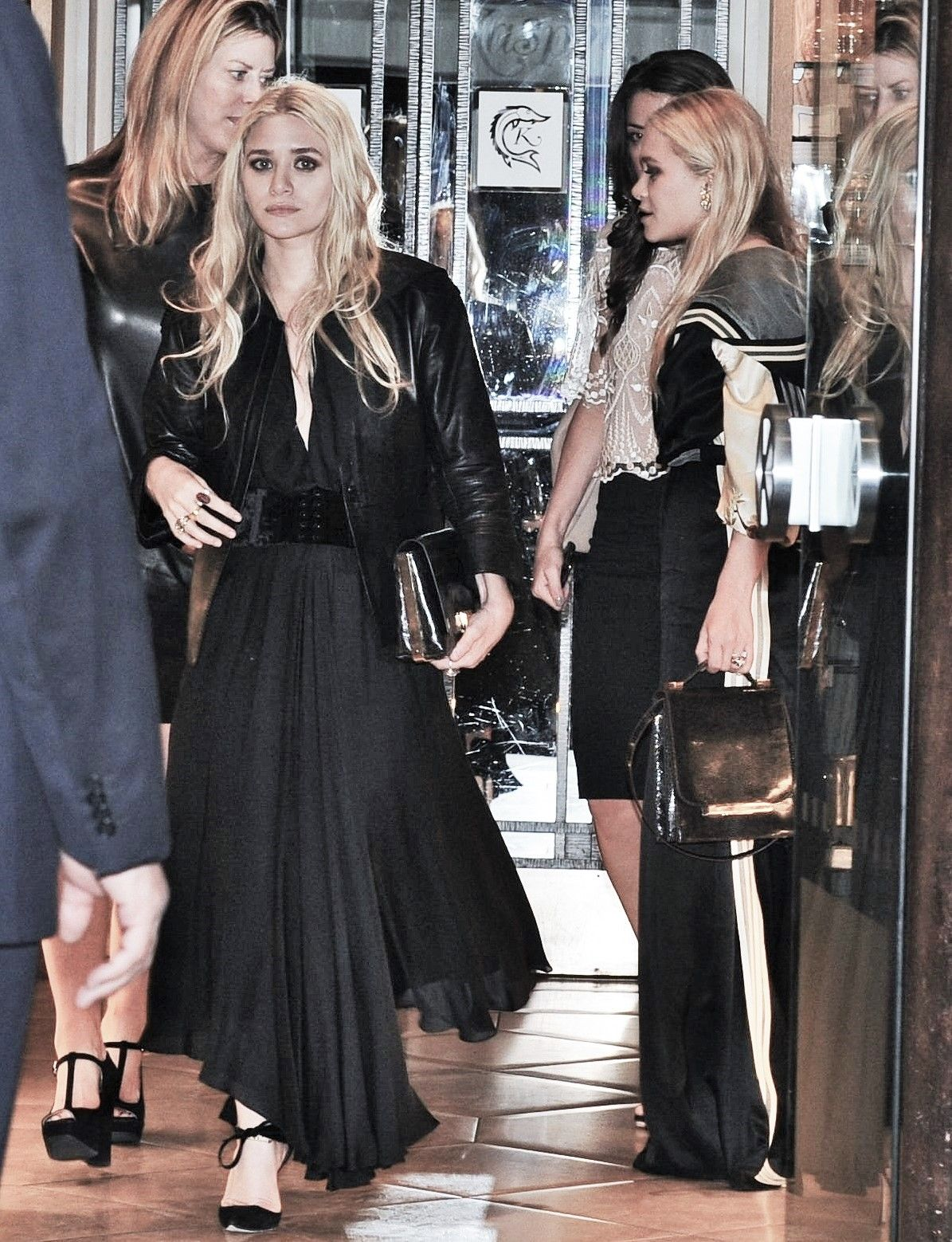 Olsen Twins Expand Their Fashion Empire Buying Stake inBeachMint picture