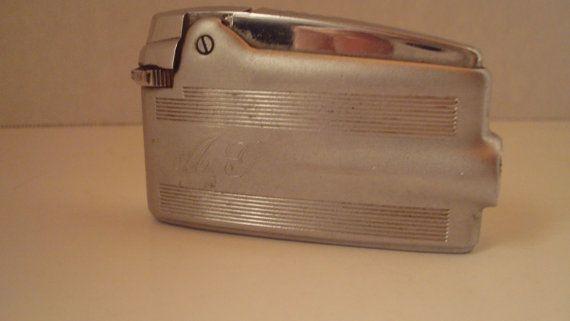 Vintage Ronson Varaflame Premier Comet lighter