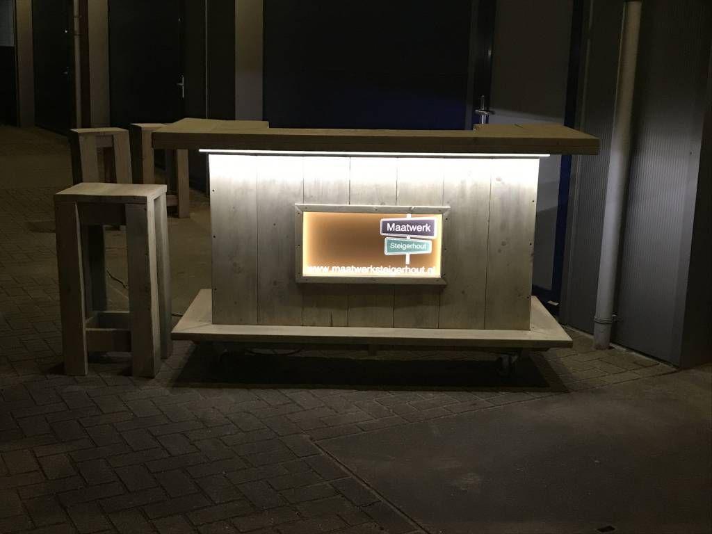 Bar / Balie / Toonbank van steigerhout verrijdbaar met LED ...