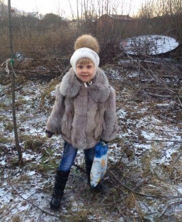 https://img19.olx.ua/images_slandocomua/384994452_8_1000x700_shuba-pesets-naturalnyy-shapka-v-podarok-.jpg