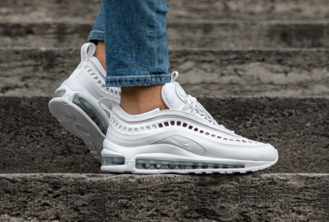 Air Max 97 Ultra Women's Vented AO2326 100 |