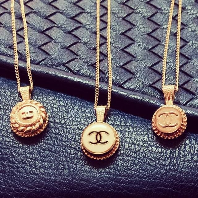 17+ Designer buttons made into jewelry ideas