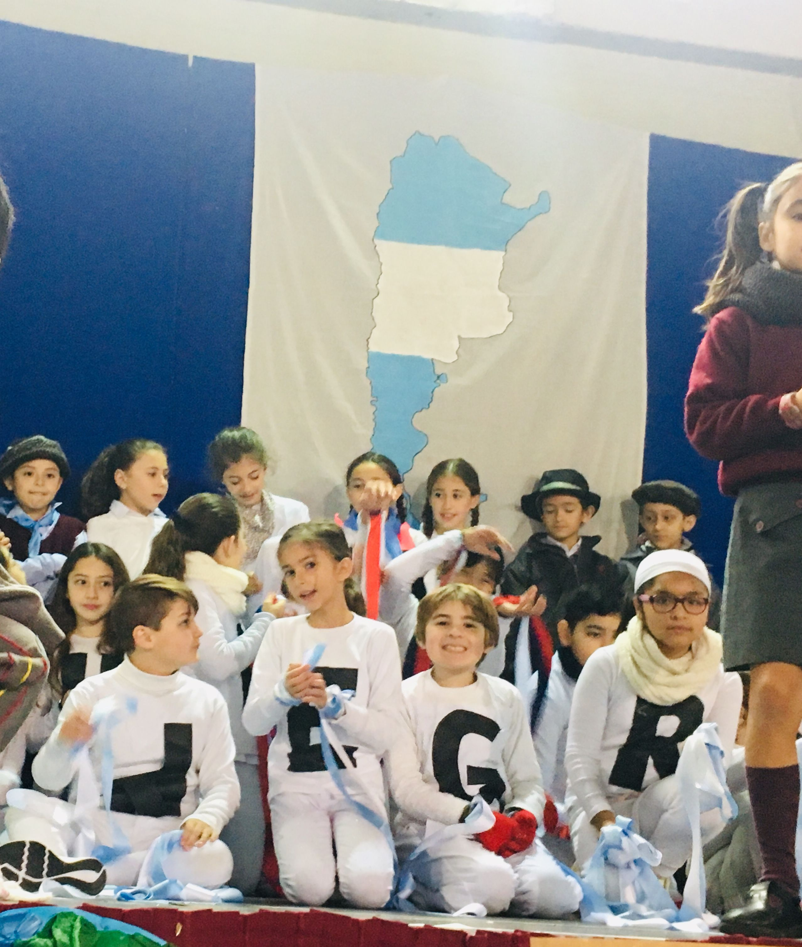 Pin de Paula Montes en Efemérides 2019.