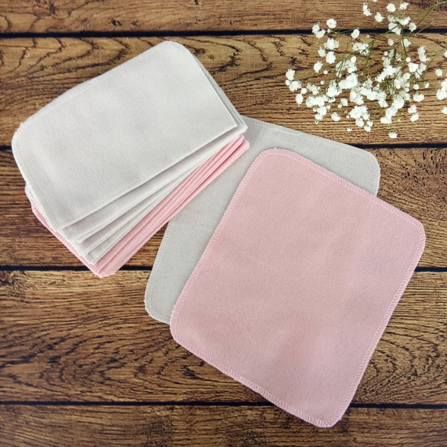 Cloth wipes of cotton flannel. Set of 12 Reusable family