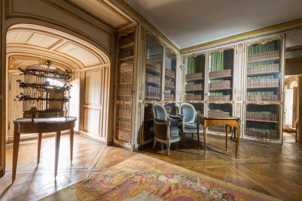 appartement de Mme du Barry : la bibliothèque   Versailles, Chateaux  interiors, Chateau versailles