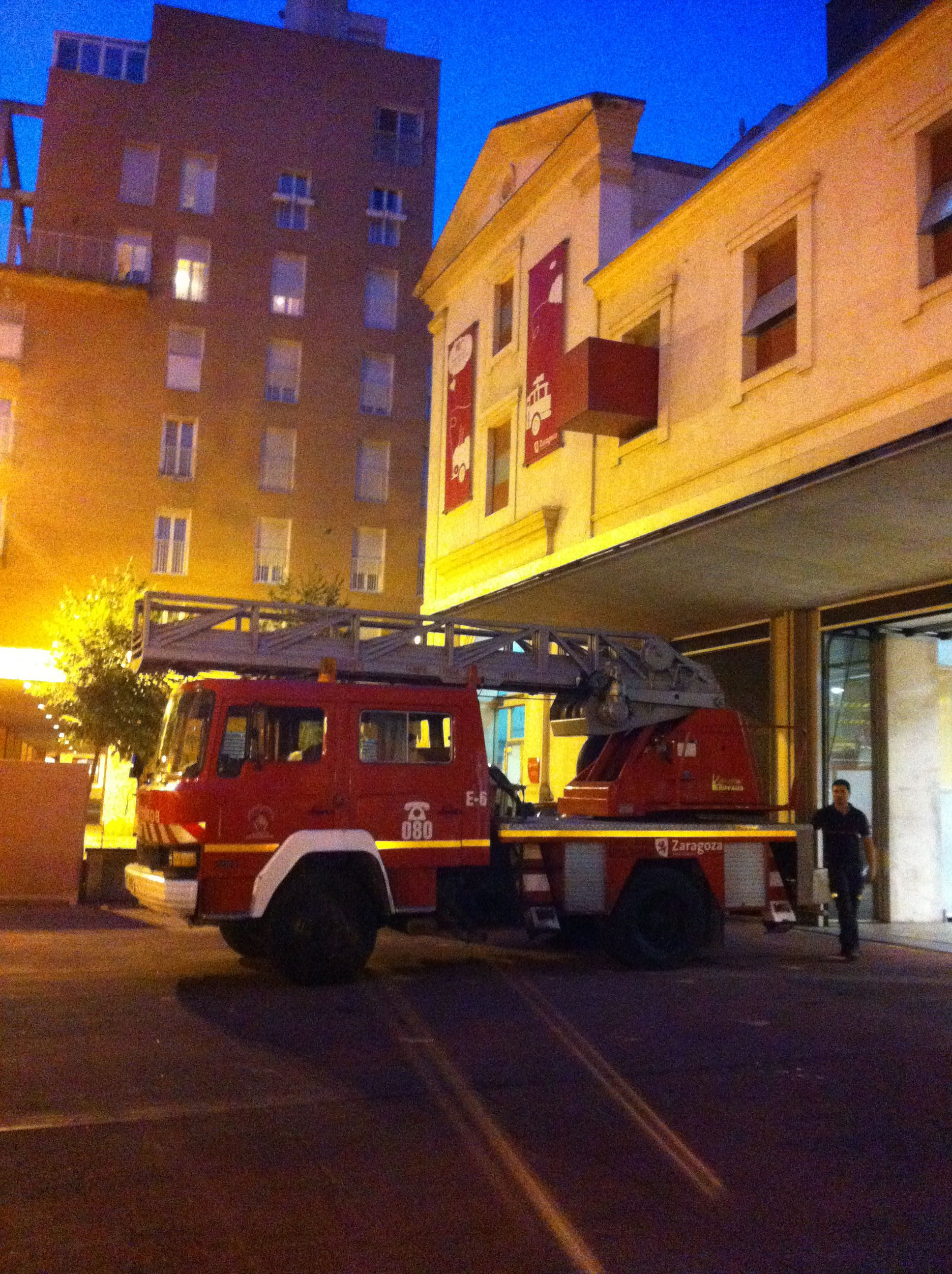 Camion de bomberos #zaragoza #escalera