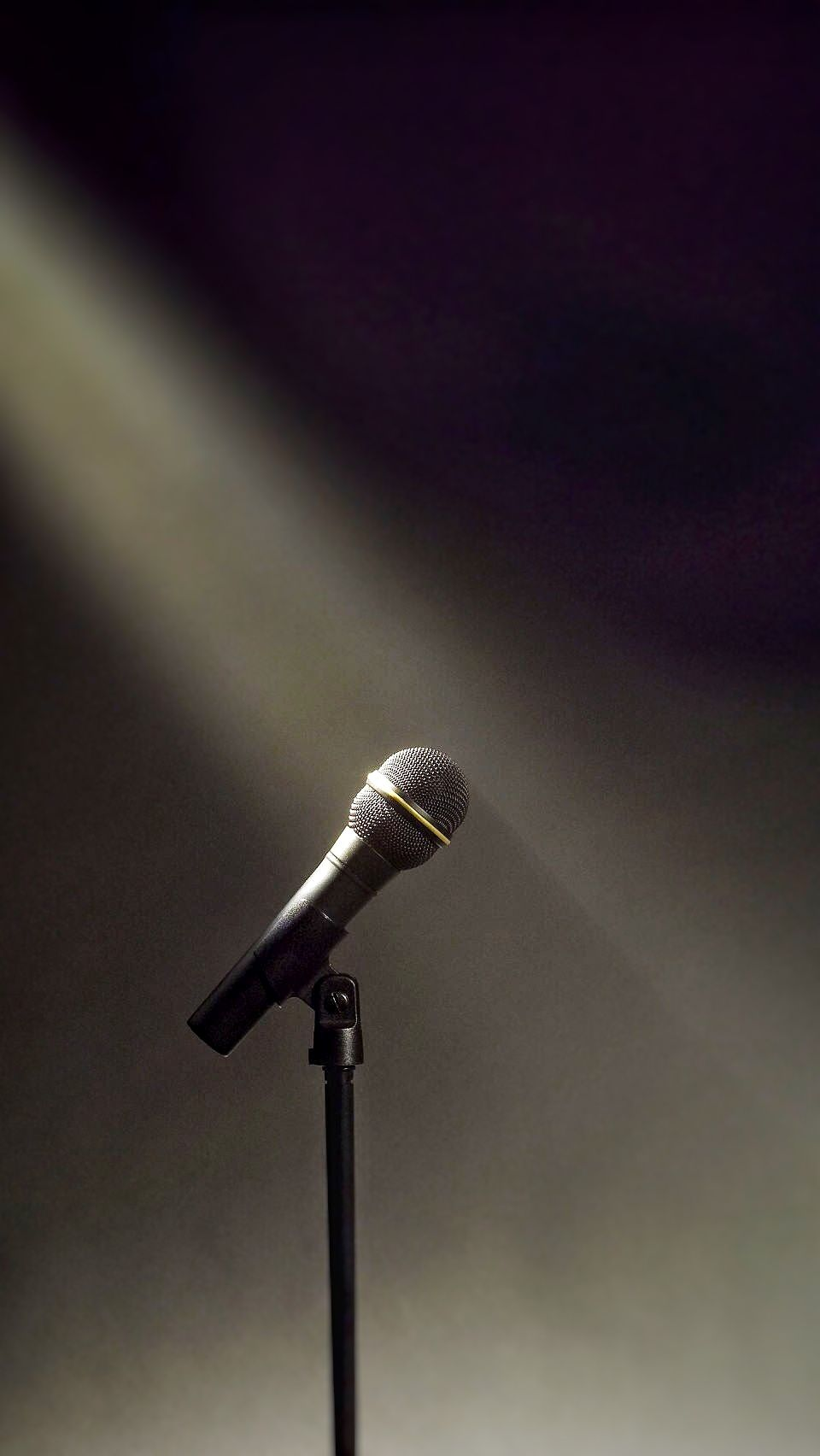 Microphone Light Iphone 7 Wallpaper Music Wallpaper Music Photography Music Aesthetic
