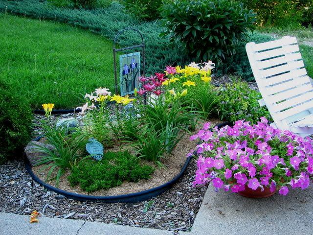 kidney shaped flower bed design - Google Search | Flower Beds (Creating a New Flower Bed ...