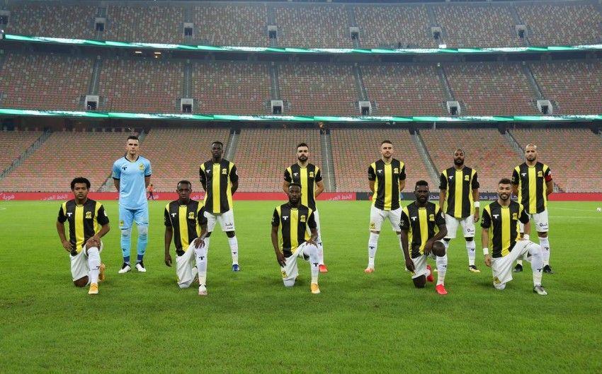 موعد مباراة اتحاد جدة ضد القادسية والقنوات الناقلة في الدوري السعودي Soccer Field Soccer Field