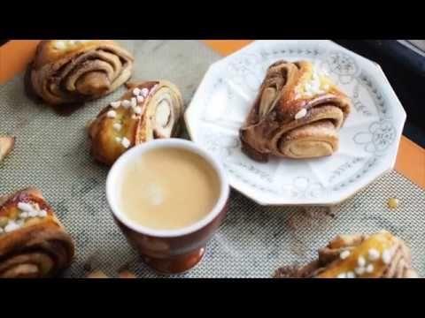 Korvapuusti: Finnish Cinnamon Cardamom Buns #cardamombuns Korvapuusti, Finnish Cinnamon Cardamom Buns @ Not Quite Nigella #cardamombuns