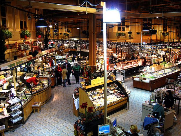 25 reasons wegmans is the greatest supermarket the world for Food bar wegmans pittsford
