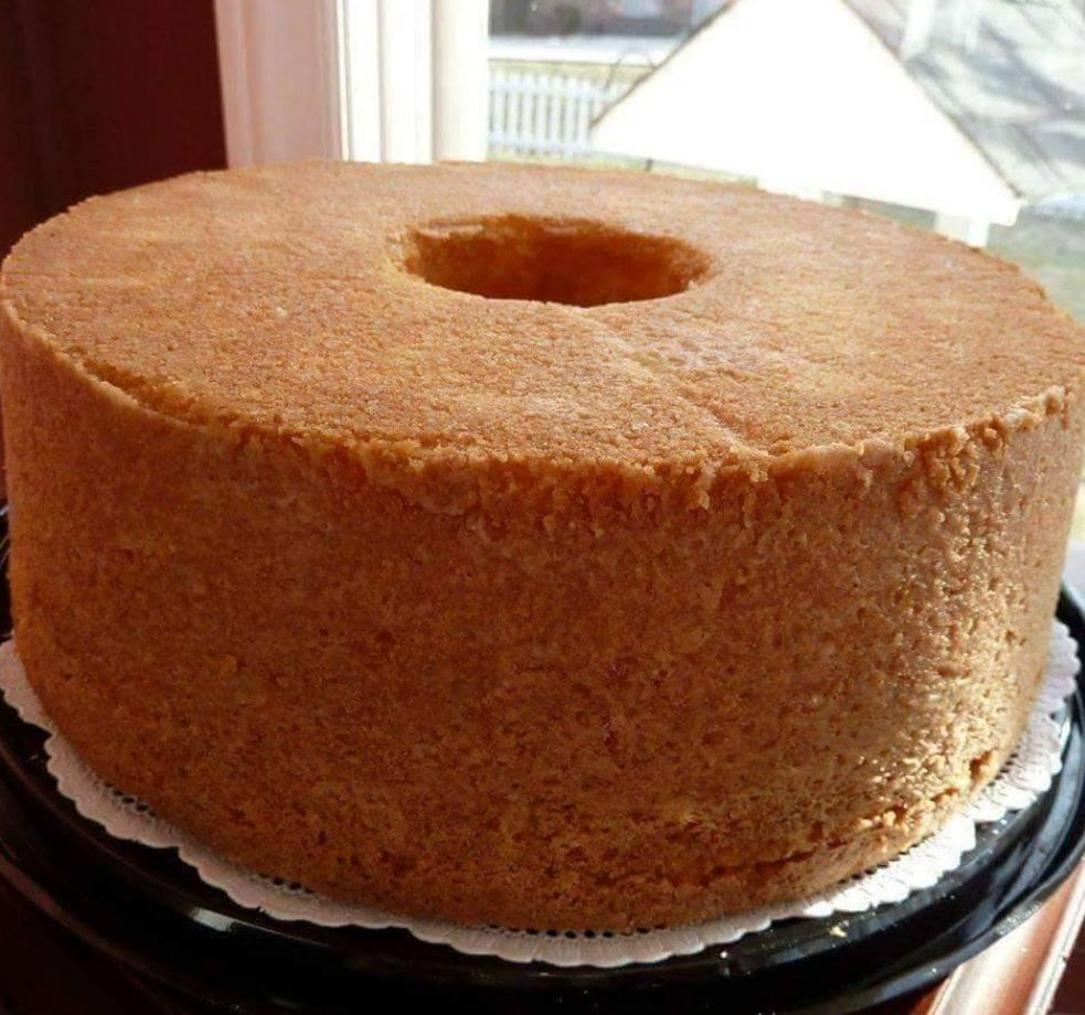 A Lady Gave My Mother This Recipe In 1953 And It Has Been A Family Favorite Ever Since You Can Serve It Wit In 2020 Sour Cream Pound Cake Sour Cream