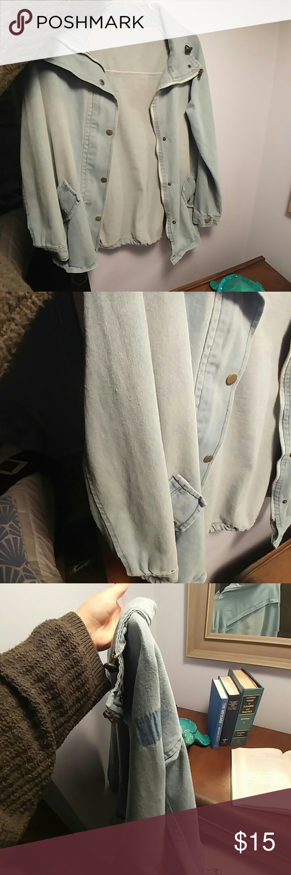 Faded Jean denim jacket Pockets look real but are not  Great jacket, goes well with everything  Medium Heavy Jackets & Coats Jean Jackets