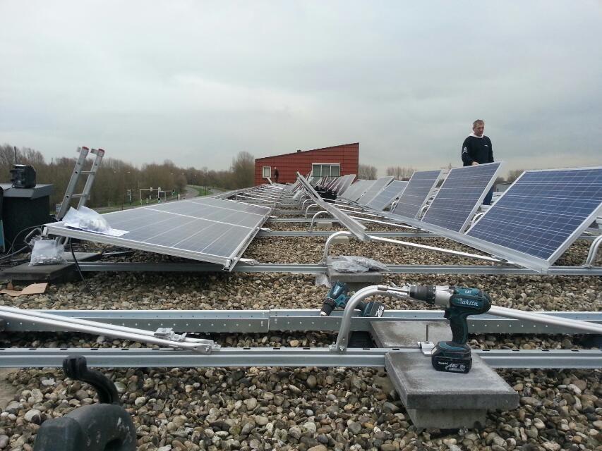 186 Zonnepanelen Vve Nieuwegein Solar Panels Outdoor Decor Solar