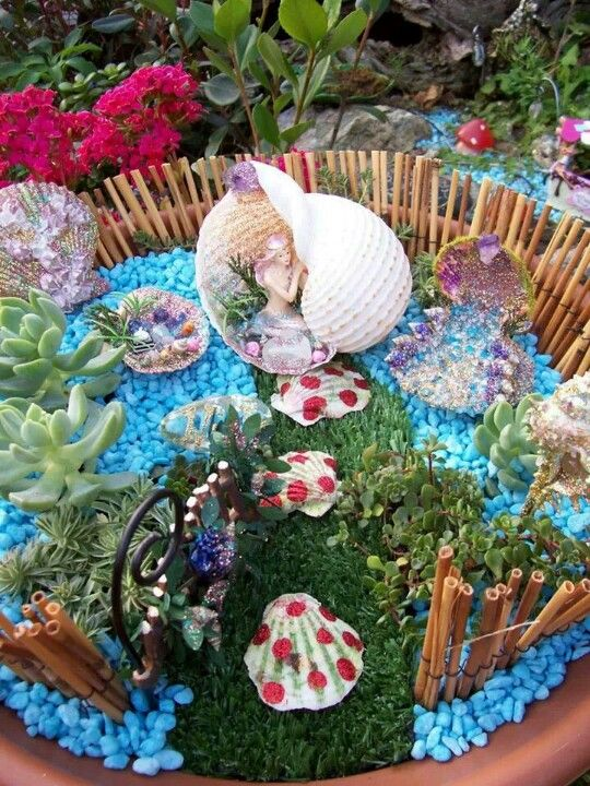 Mermaid mini garden Cool  gotta have this  Miniature