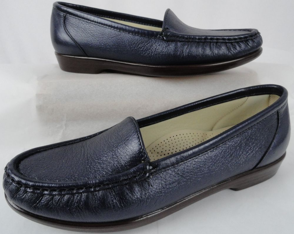 aa0a557b5a8 SAS Simplify Navy Blue Womens Shoes Loafer TriPad Slip On Leather 7.5 M US  38 EU  SAS  Loafers  Casual