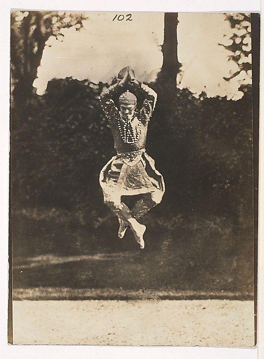 """Nijinsky in """"Danse siamoise"""" from the """"Orientales""""]  Eugène Druet (French, 1868–1917)"""