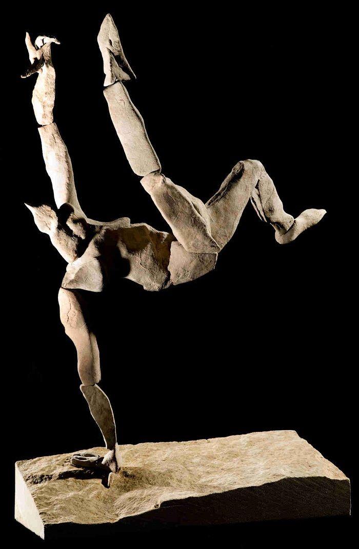 sculpture of stones_'Overhead' By Duncan Elliott