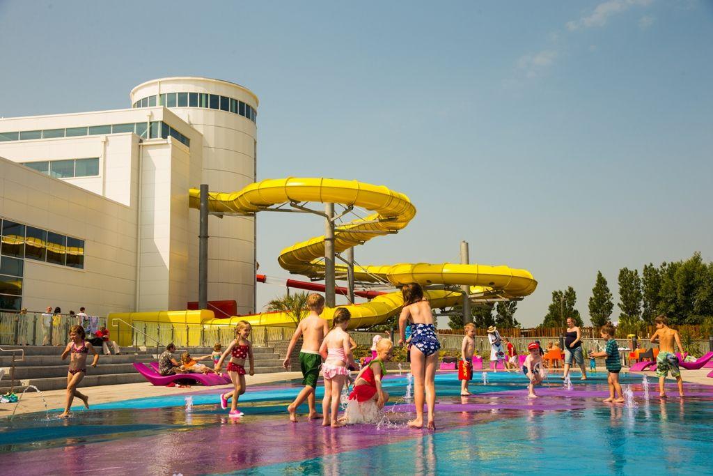 Outdoor Pool To Splash Around In Butlin 39 S Splash Waterworld Pinterest Outdoor Pool