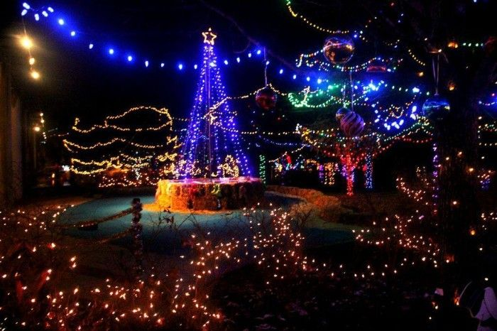 Here Are The Top 10 Christmas Towns In Alabama They Re Magical Christmas Town Alabama Christmas Magical Christmas