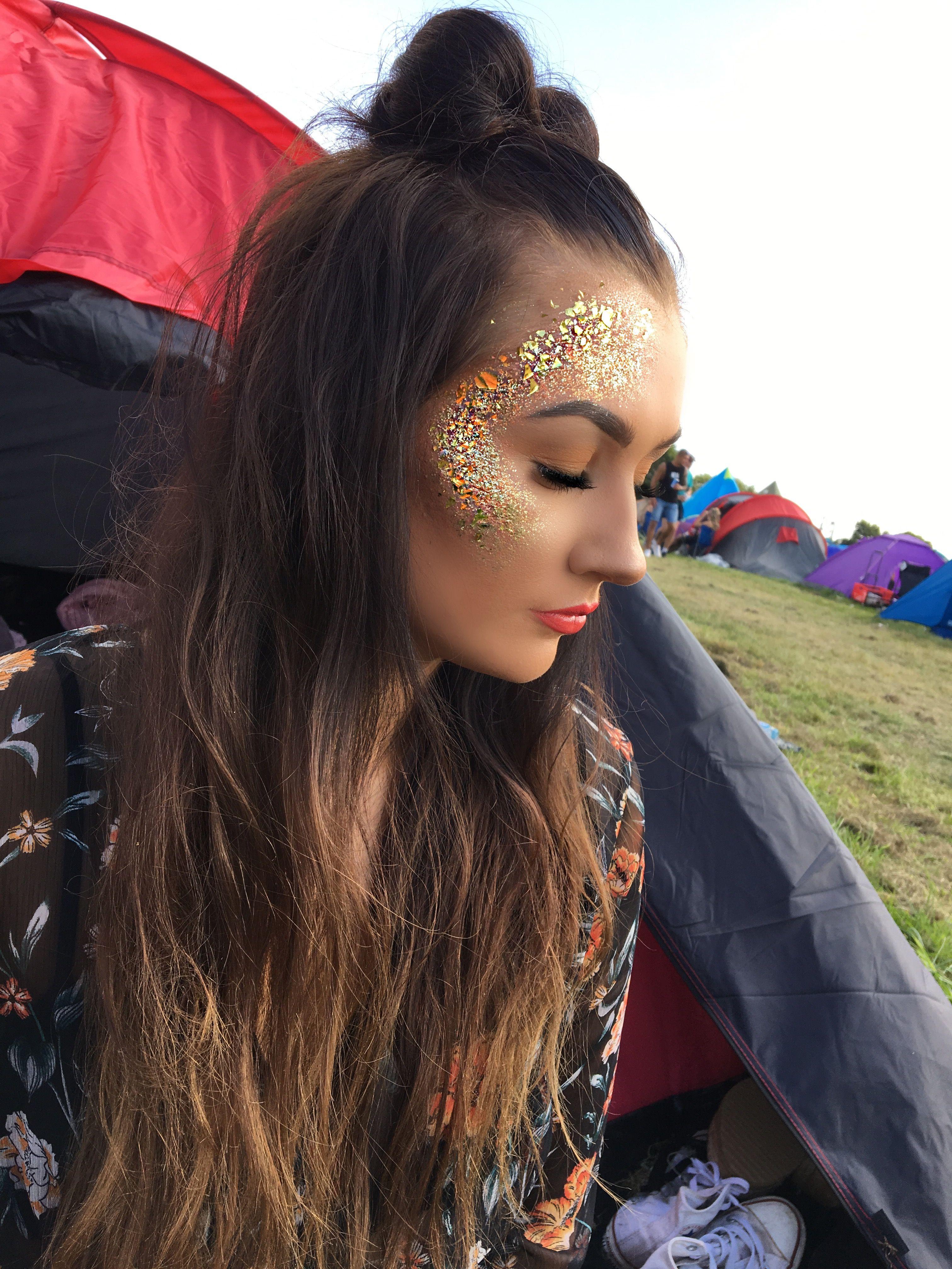 Glitter Festival Creamfields Space Buns Festival Makeup Outfits