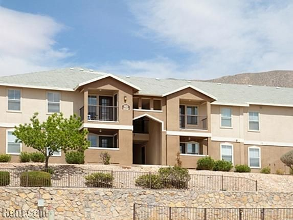 Check Out Acacia Park On Rent Com House Styles Rental Apartments Apartment
