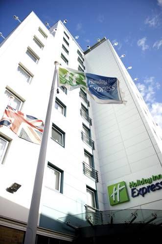 London- Holiday Inn Express London Croydon. In the center of Croydon, this Holiday  Inn Express offers a buffet breakfast, a… | London holiday, Croydon, Holiday  inn