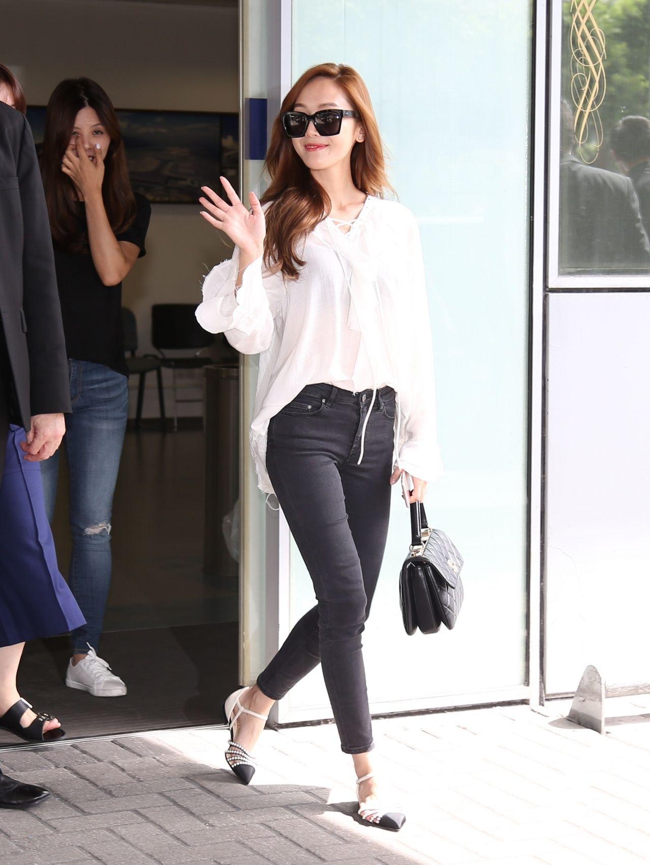 Jessica Jung Airport Fashion 160719 2016 Snsd Airport Fashion Pinterest Jessica Jung