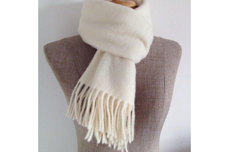 472ddc2a0293 Écharpe blanche ivoire en laine   Echarpe foulard blanc