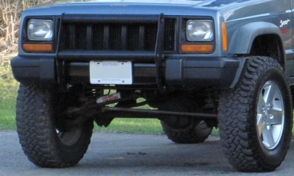 Trimmed Front Bumper Looks A Lot Better Measured It Out Marked It And Used A Hack Saw Happy With The Results Jeep Xj Jeep Cherokee Jeep Xj Mods