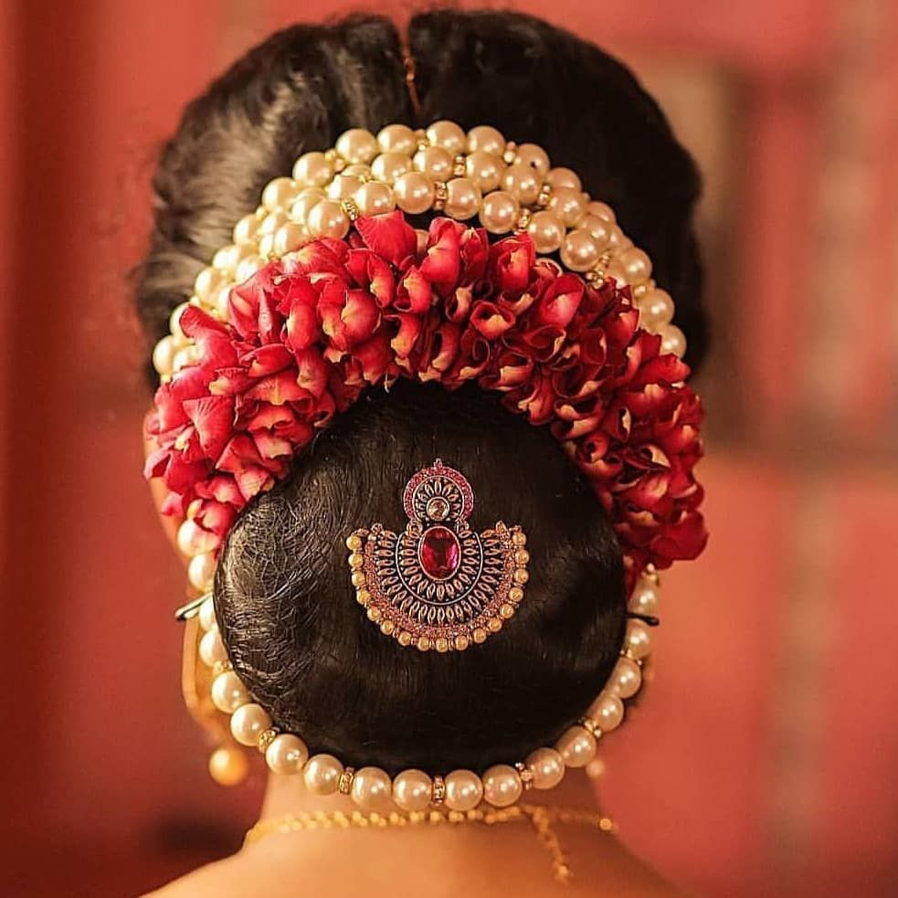 Whatsapp On 919319030590 For Order Southbeach South Southindianbride Jewelry I Wedding Bun Hairstyles Bridal Hair Buns Indian Bun Hairstyles