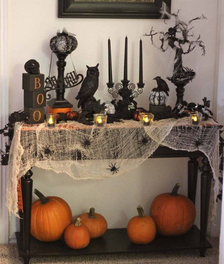 25 Ideas To Style Your Console Table With Spooky Halloween Decorations – #Consol…