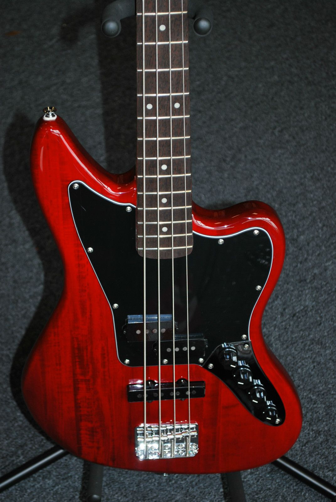 My eb bass squier vintage modified jazz bass - 2012 Squier Vintage Modified Jaguar Special Bass Trans Red Nearly New 7743