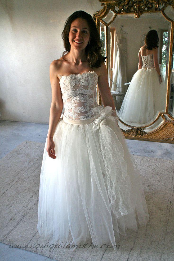 Robe de mariée bustier transparent romantique.