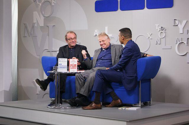 Daniel Cohn-Bendit + Robert Menasse auf dem Blauen Sofa by Das blaue Sofa, via Flickr